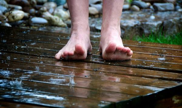 Thunderstorm feet