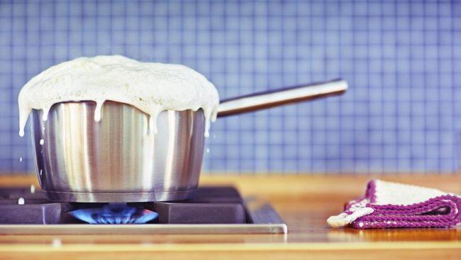 happens-boil-milk_170693416fabfab4